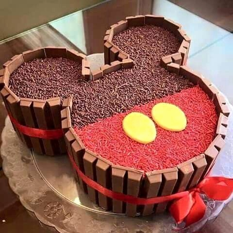 Smarties Kitkat Kuchen Neu Mickey Mouse Kit Kat Cake Mickey Mouse Pinterest