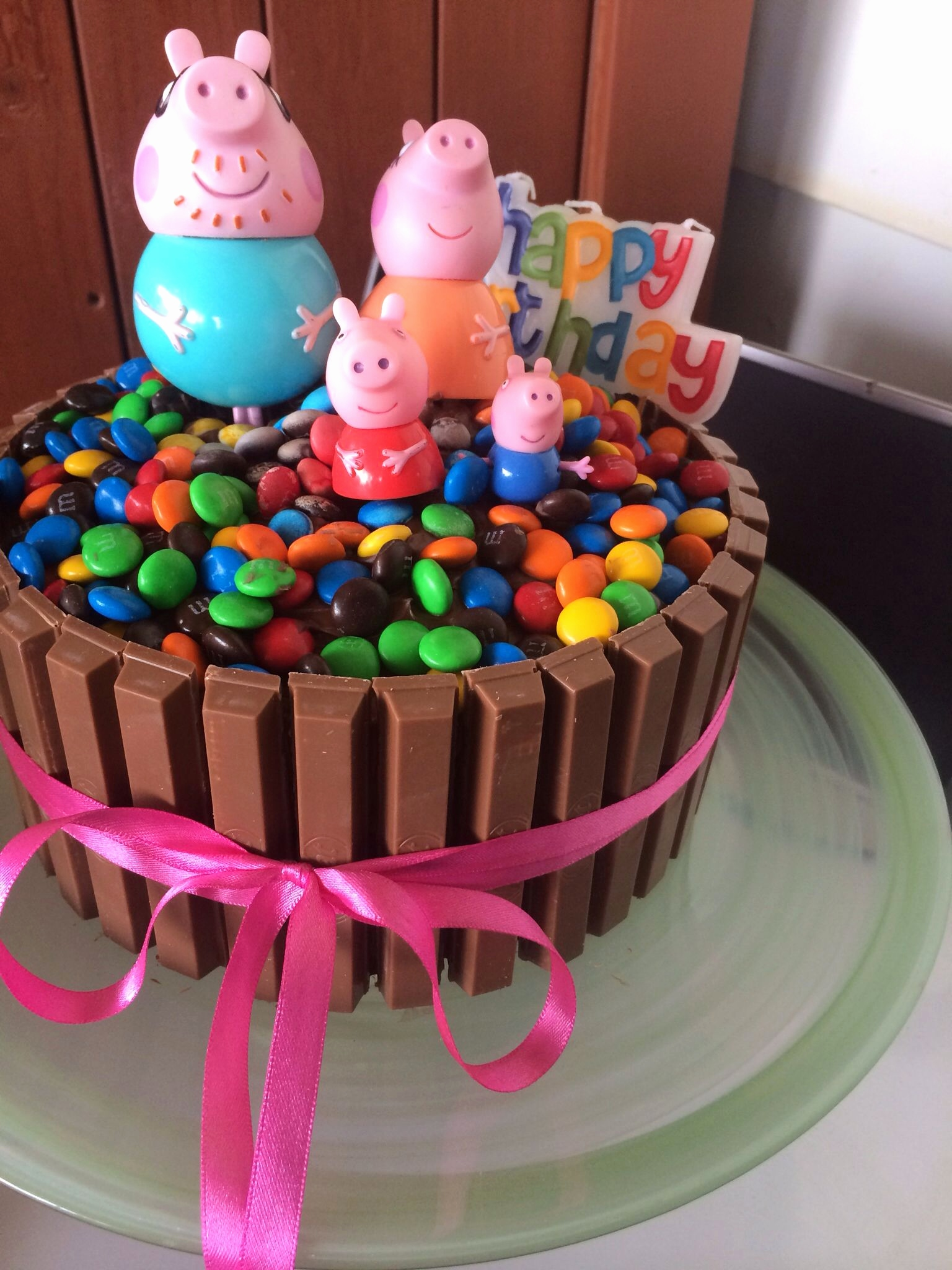 Smarties Kitkat Kuchen Neu Peppa Pig Chocolate Cake Kitkat Smarties M N Ms Kids Birthday