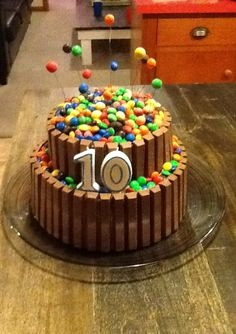 Smarties Kuchen Mit Kitkat Genial M&ms and Kit Kat Cake Splash Party Pinterest
